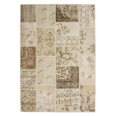 Tapis en laine beige moderne tissé à la main avec des motifs floral L. 150 x P. 80 x H. 0,8 cm Collection Nidderau